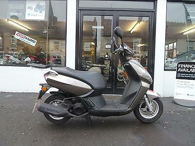 Peugeot Kisbee 100 scooter moped not 125cc