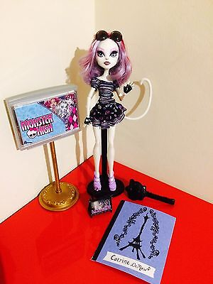 Monster High Doll Catrine DeMew Scaris City of Frights - T5