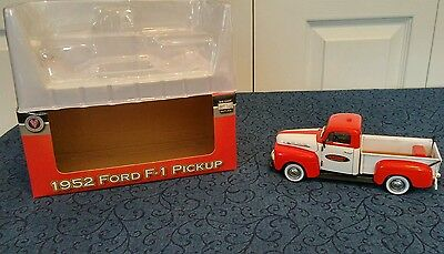 Crown Premiums 1952 Ford F-1 Pickup Truck 1:24 Scale