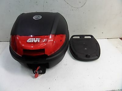 Givi Top box with mounting base plate and two keys