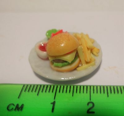 1:12 Scale Cheese Burger & Chips Dolls House Miniature Accessory (Small)