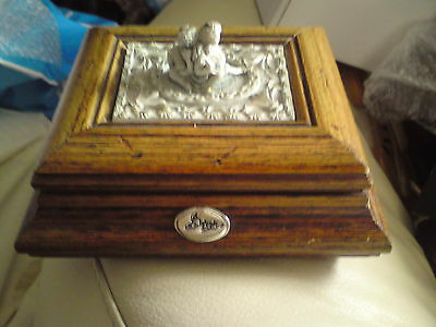 Wooden Box - Small Wooden Box - With Lid, Used, Free-Mailing.