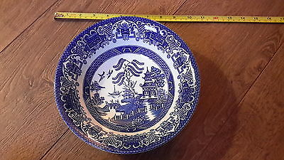 Old Willow English Ironstone Pottery blue and white bowl