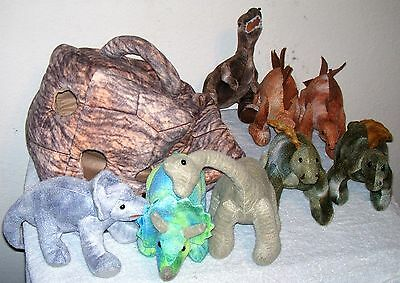 FAO SCHWARZ Plush ROCK CARRY CASE w/ Handle & 8 Plush DINOSAURS  VGC