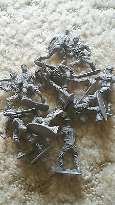 Boy's  army toy  soldier's