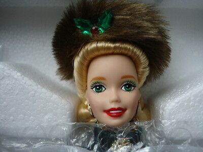 1996 Holiday Caroler Barbie     NRFB   Procelain Collection  Serial # 2748