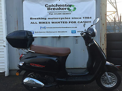 DIRECT BIKES MILAN DB125 LEARNER LEGAL MOPED RETRO SCOOTER - 99p No reserve!