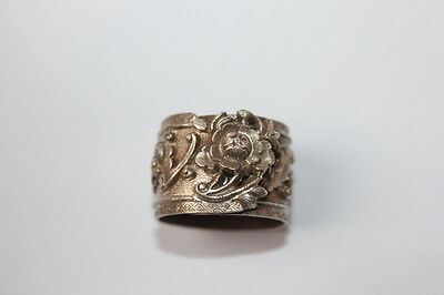 Exquisite Antique Chinese Men 's Bat Silver Ring