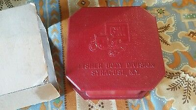 Vintage Plastic GM Fisher Body Division Jewelry Box Syracuse NY never used Red