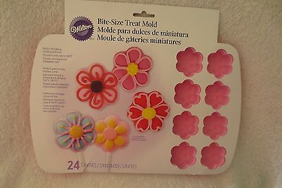 Wilton Silicone Mini Flower Mold Pan Bite size 24 Cavities New 2105-0468