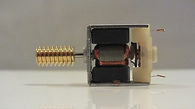 X8202M / M2209  Hornby Triang  Motor And Worm Modefied Cl 58 B Of B B12   R21B
