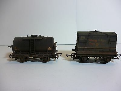 Two 00 gauge railway wagons, Bachmann and Triang