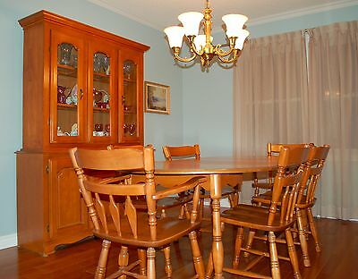 Colonial Style Solid Maple Vintage Dining Room Set - Immaculate Condition!