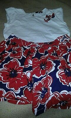 girls outfit age 5/6 skirt and top