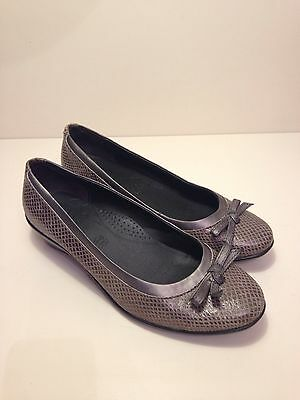Ladies Leather Flat Footglove Snake skin Shoes Size UK 7.5 Wider Fit