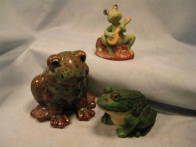 lot of 3 small FROGS