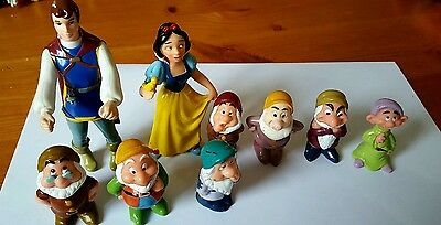 Disney .. Snow White And Seven Dwarfs . 8  x Pvc Figures  .. Vgc