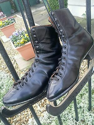Beautiful Vintage Black Leather Ice Skating Hockey Skates Footwear. Size 8.5 vgc