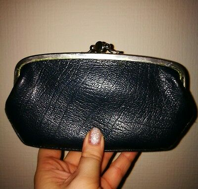 Vintage retro leather purse in navy