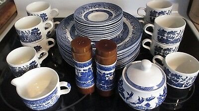 SET OF BLUE WILLOW ( CHURCHILL ENGLAND (setting for 10 )