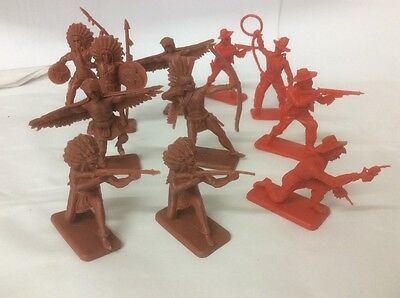 CRESCENT WESTERN 1:32 scale TOY SOLDIERS VINTAGE PLASTIC COWBOYS AND INDIANS