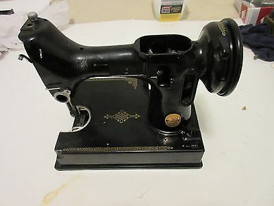 Singer Featherweight,  Body or Hull