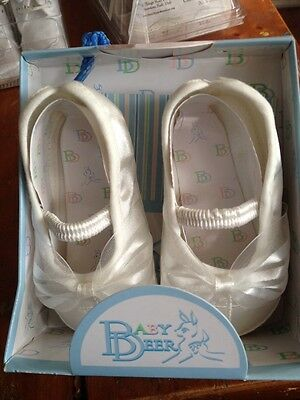 New Infant Girls Off White Christening Shoes Size 3 ((6m-9m)