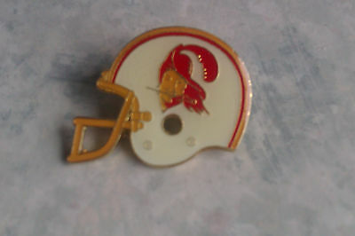 Tampa Bay Buccaneers - Vintage Metal Helmet Badge. American Football. NFL. 1984.