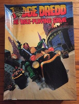 Judge Dredd - Games Workshop - The Role-Playing Game - Complete/Figures uncut