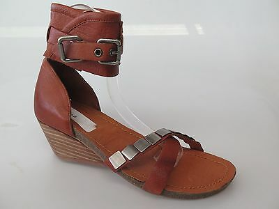 $30 Clearance - Top End - new ladies leather sandals size 37 / 6.5 #58