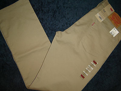 NWT Levi's 513 jeans 34 x 32 Slim  Straight Fit Retail $70   Style # 08513-0337