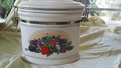 CERAMIC CANISTER for Knott's Berry Farm Foods Storage Cookie Jar Collectible