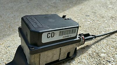 Genuine VX Commodore cruise control module with cable