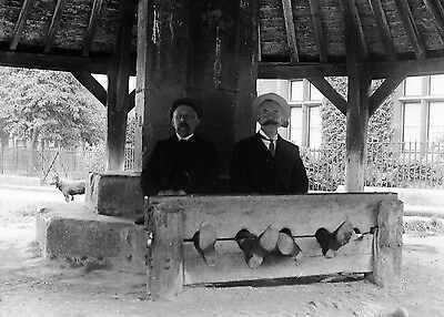 PHOTOGRAPHIC GLASS NEGATIVE MEN IN THE STOCKS GREAT VICTORIAN IMAGE c1895