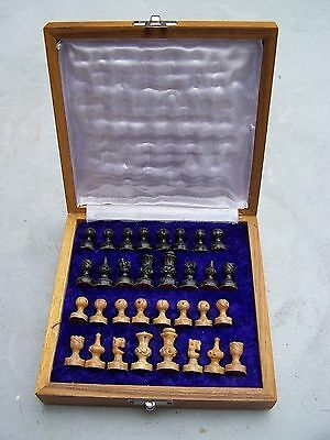 """Vintage Carved Stone Travel Chess Set In Wood & Polished Marble Case 6.5"""" Square"""