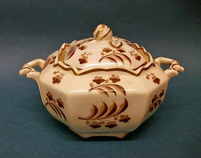 A Spode Octagonal Sugar Box and Cover, c.1820