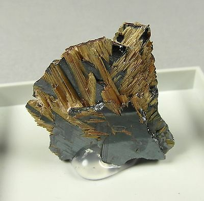 Rutile & Specular Hematite crystals. Natural mineral. 4 gms (0.14 oz).