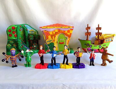 The WIGGLES 8 FIGURES toys – 3 PLAYSETS – Greg Henry Dorothy Captain + L@@K!!
