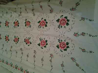 Large Vintage Printed rose  Flowers Poly/Cotton Tablecloth VGC