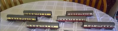 HORNBY TRIANG train carrages.1 of 4 carrages*See description below*