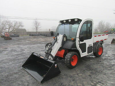2004 Bobcat 5600 Toolcat 4x4 Utility Vehicle w/ Cab & Loader!