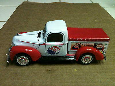"Golden Wheel 1940 Ford Pepsi Delivery Truck Die Cast 7"" Long 1:24"