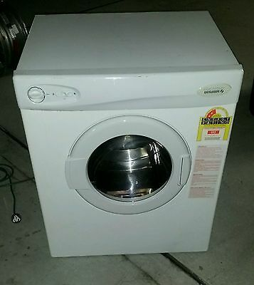 simpson clothes dryer. Heavy duty. 4kg. Sirocco. Urgent.Must sell.Not LG, Miele