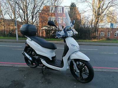 SALE SAVE £318 TODAY Peugeot Tweet 125cc Scooter moped  FREE TOB BOX AND SCREEN