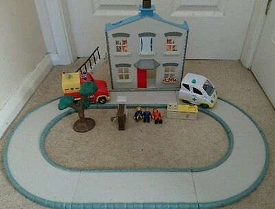 Fireman Sam Playset with house, vehicles, figures and track