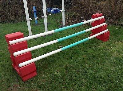 Poly Jump Show Jump Plastic Wings And 3 Poles (rrp New Over £180)