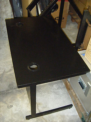 Office table in black