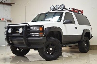 1998 Chevrolet Tahoe Base Sport Utility 2-Door 1998 CHEVROLET TAHOE 2DR 4X4 LIFTED ROUGH COUTRY LIFT BIG TIRES ROOF RACK LED