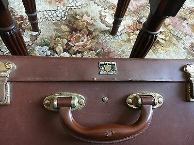 vintige old small suitcase