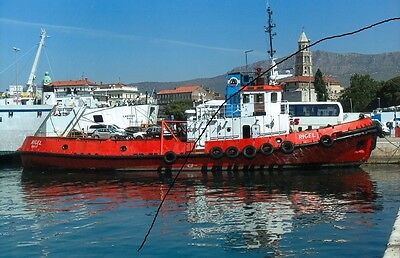 Ship/shipping Photo Of A Tug Photograph Picture At Split In Croatia.